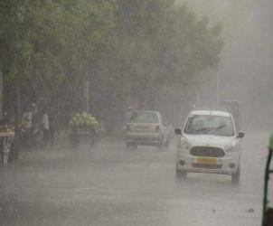 Enjoy monsoon weather on busy roads with get your driver
